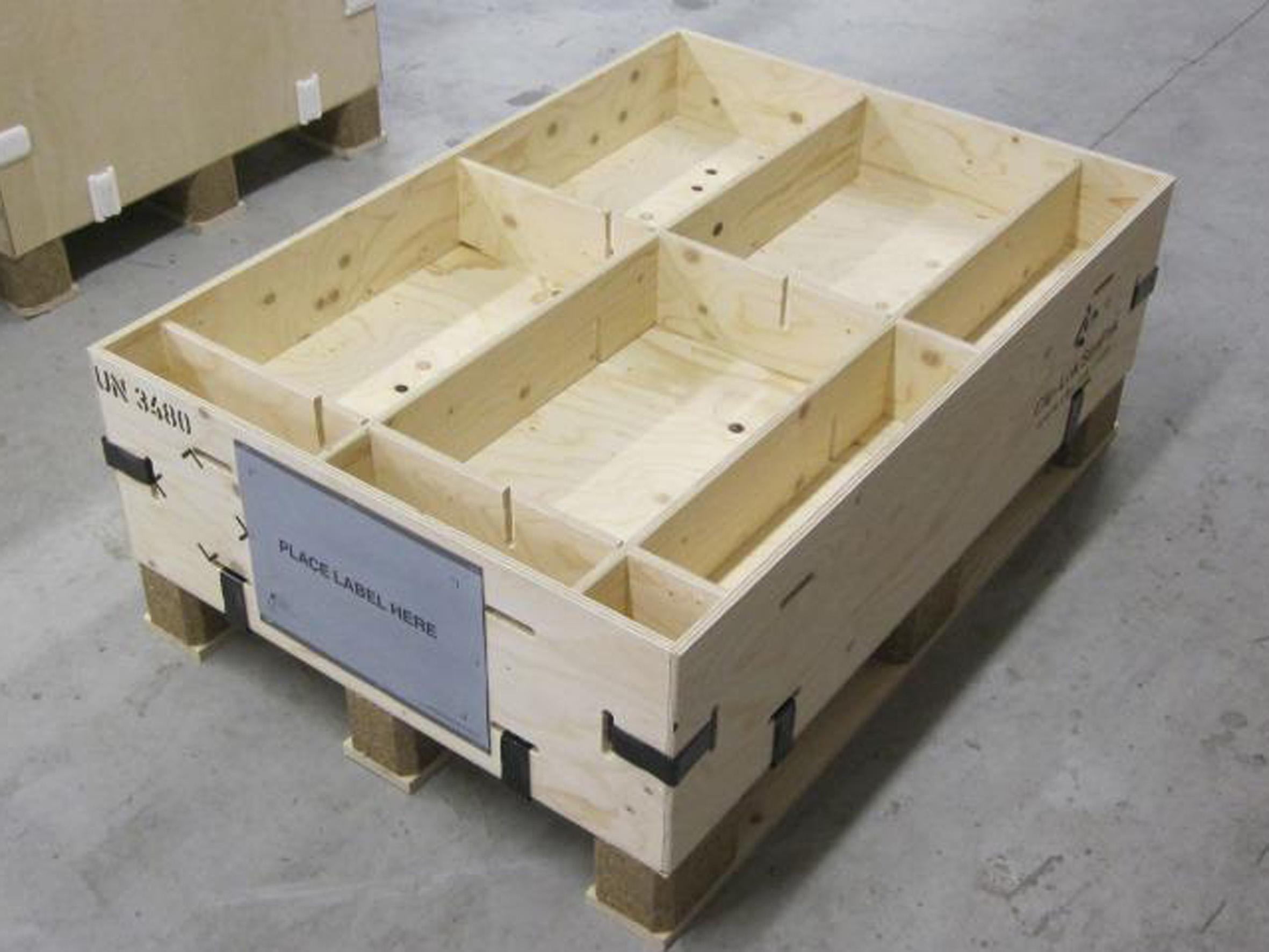 Litium-ion batterier transporteret i bæredygtig emballage