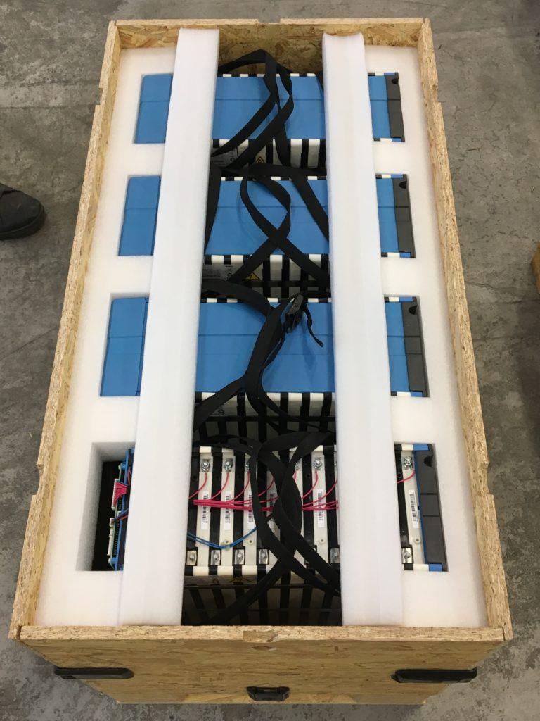 Engångsförpackning för batterier och system för hållbar energilagring
