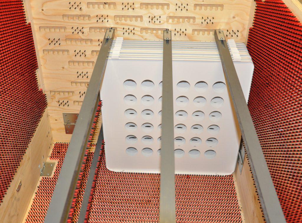 Friktionsfri transport av repkänsliga paneler